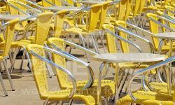 Sedie gialle in Piazza San Marco