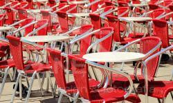 Sedie rosse in Piazza San Marco