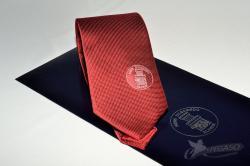 Cravatta artigianale in seta con package personalizzato