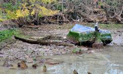 2 barche abbandonate in secca (Canal Salso - 11/2020)